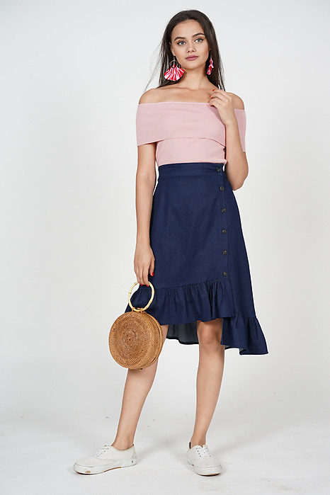 Buttoned-Up Skirt in Denim