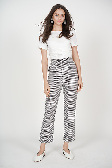Button-Up Straight Pants in Black Checks