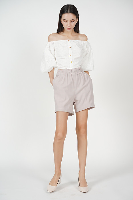 Nella Shorts in Pink