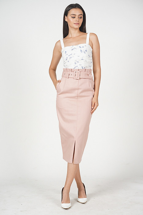 Karla Buckled Skirt in Pink