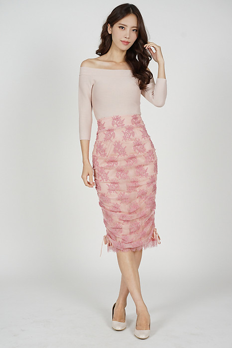 Mirai Lace Skirt in Pink