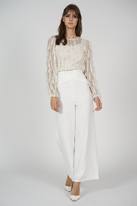 Moda Overlay Criss Cross Pants in White