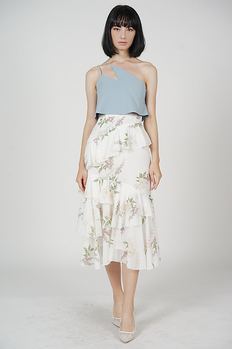 Aubrel Ruffled Skirt in White Floral