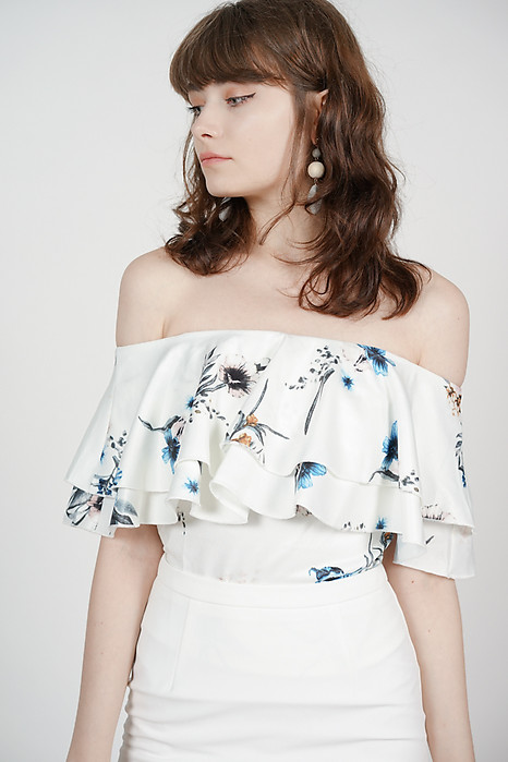Flounce Layer Top in White Floral