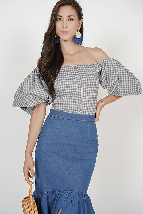 Puffy Sleeves Top in Grey Checks