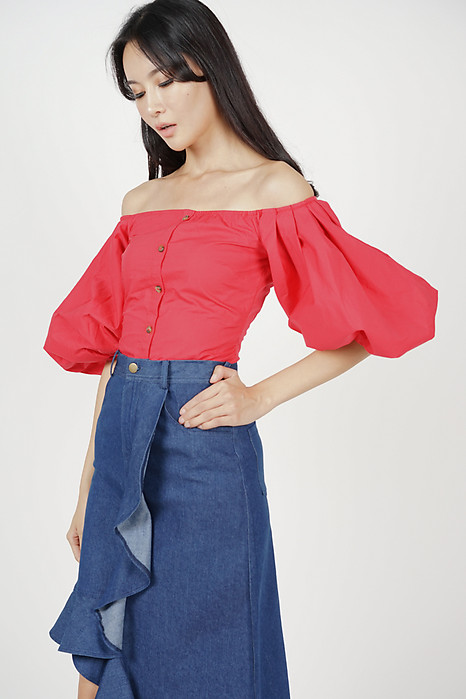 Puffy Sleeves Top in Red