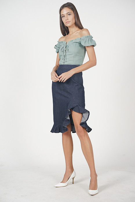 Lace-Up Puffy Top in Sage