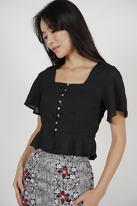 Eddel Buttoned Top in Black