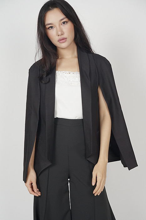 Delexa Blazer in Black