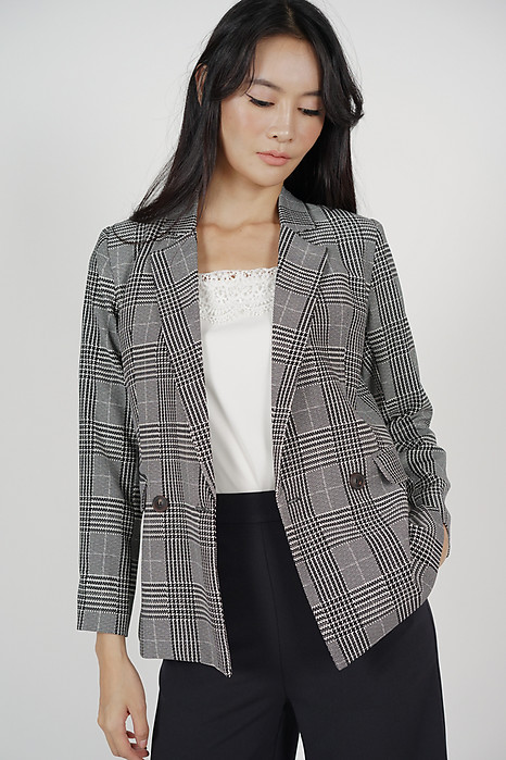 Contemporary Buttoned Blazer in Houndstooth Checks - Online Exclusive