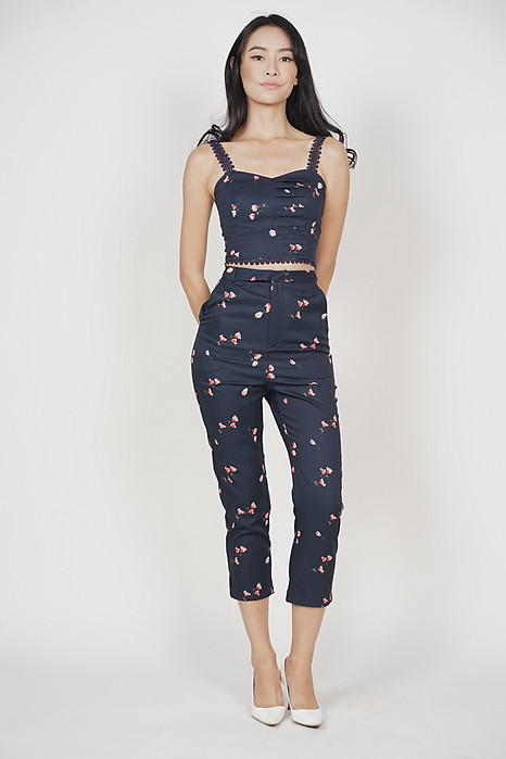 Arielle Cropped Top in Midnight Floral