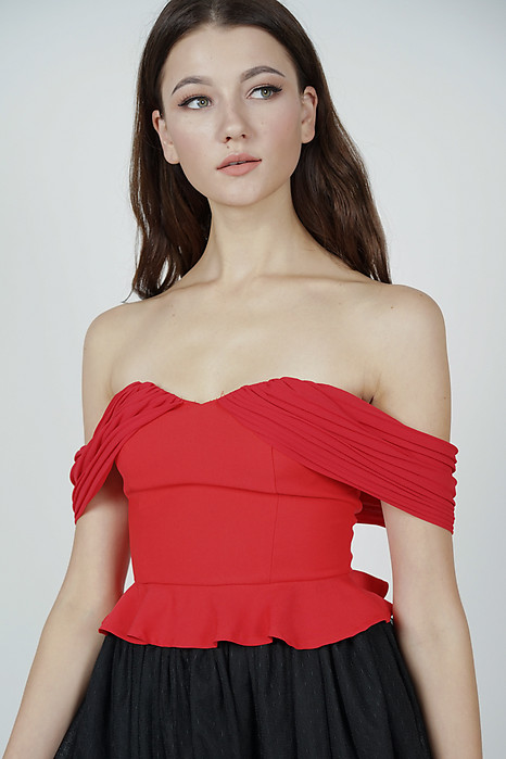 Brosie Pleated Top in Red