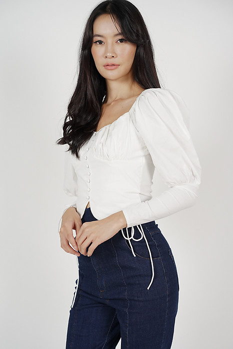 Desma Puffy Top in White - Online Exclusive