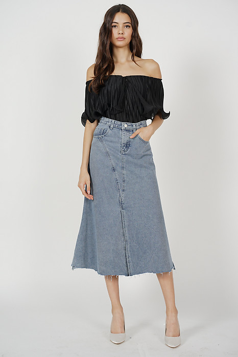 Jubi Pleated Ruffle Top in Black