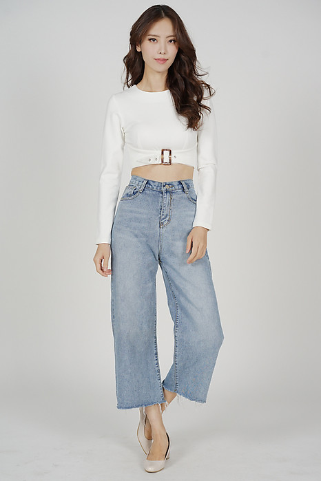 Elex Buckle Front Top in White