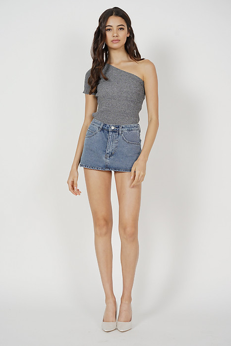Samuel Toga Top in Grey