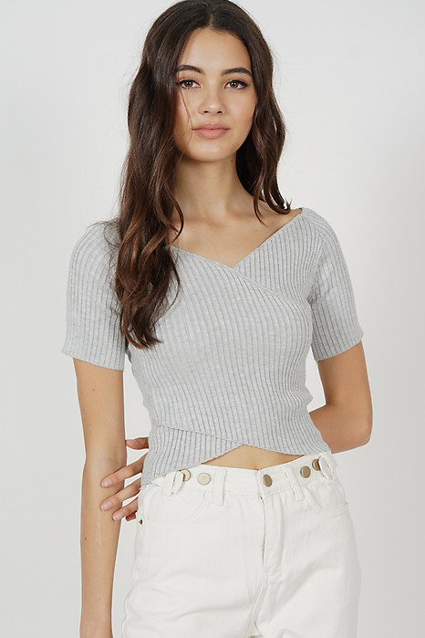Regine Sleeved Top in Grey