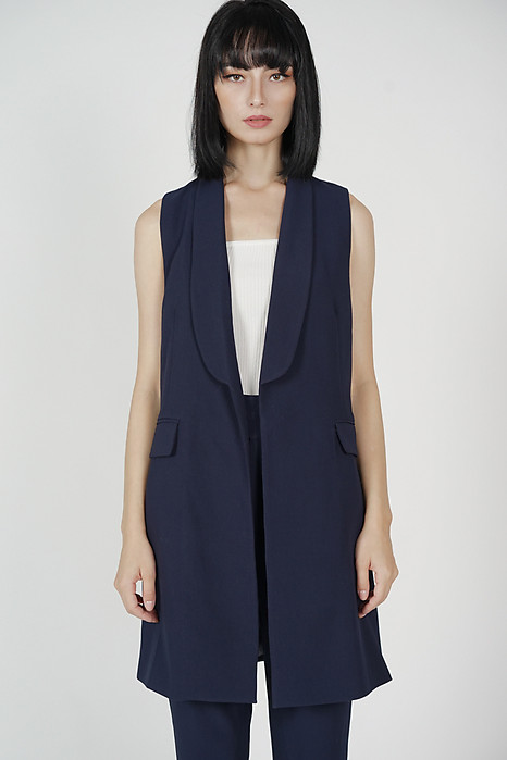 Zakari Long Vest in Midnight