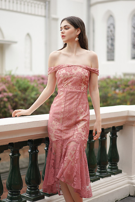 Amie Lace Dress in Pink