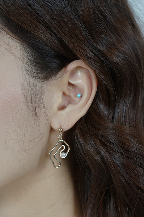 Pierre Earrings in Gold - Arriving Soon