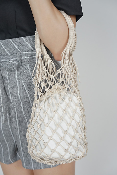 Netted Dumpling Bag in Ivory