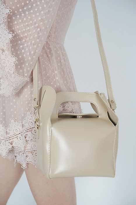Lunchbox Bag in Beige - Arriving Soon