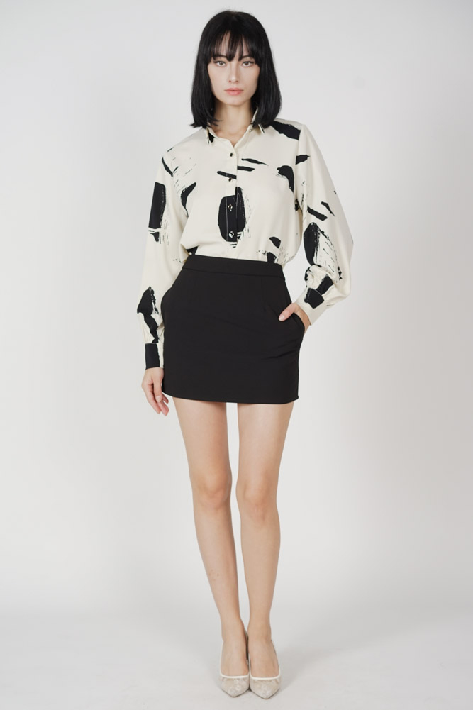 Jezlyn Collared Top in Cream Abstract - Arriving Soon
