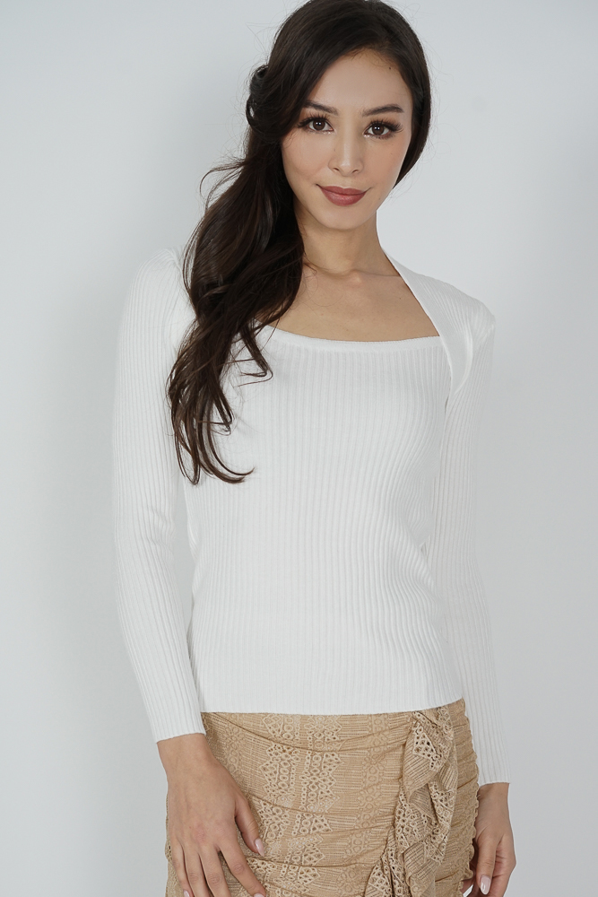 Edlyn Sleeved Top in White - Online Exclusive