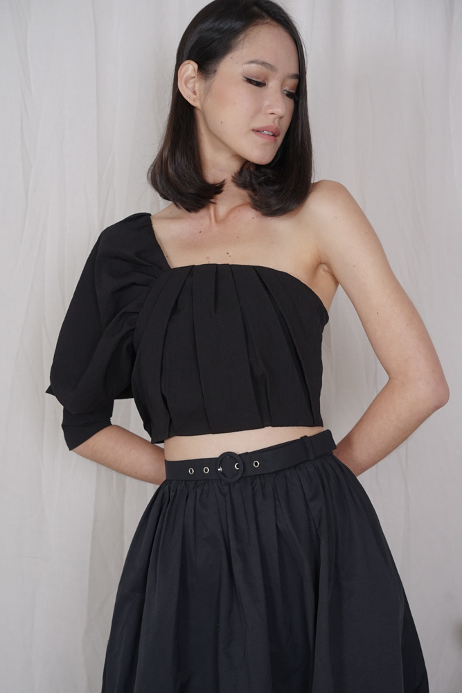 Wetzel Toga Top in Black - Arriving Soon