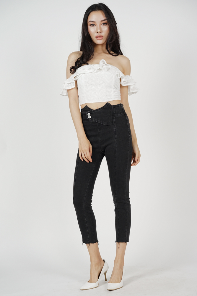 Harvyn Buttoned Jeans in Black (Online Exclusive)