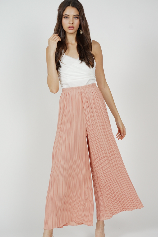 Calixta Wide-Leg Pleated Pants in Salmon