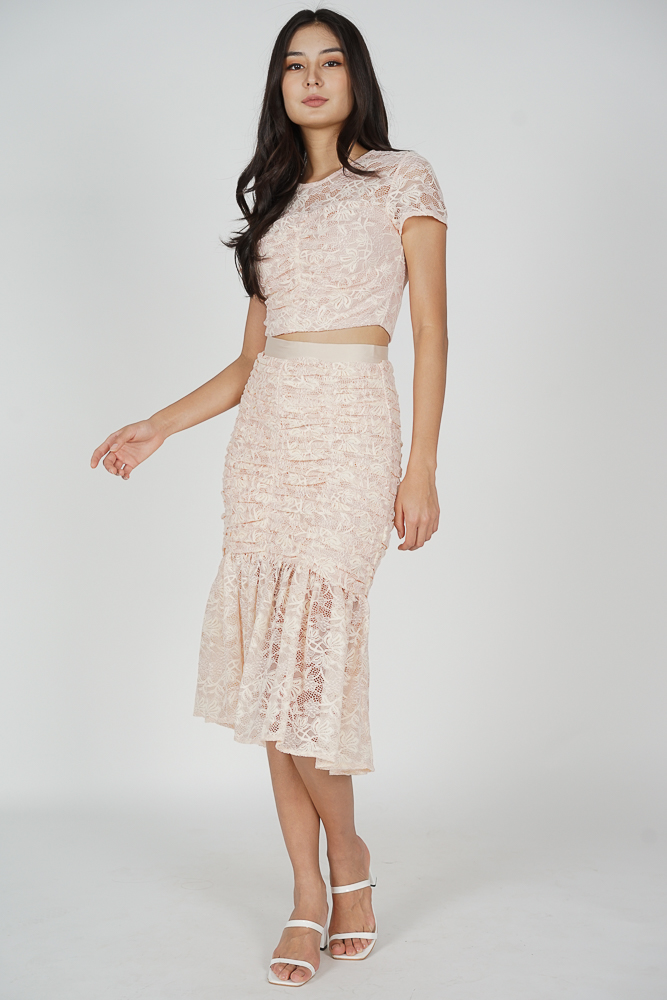 Raeah Lace Skirt in Pink