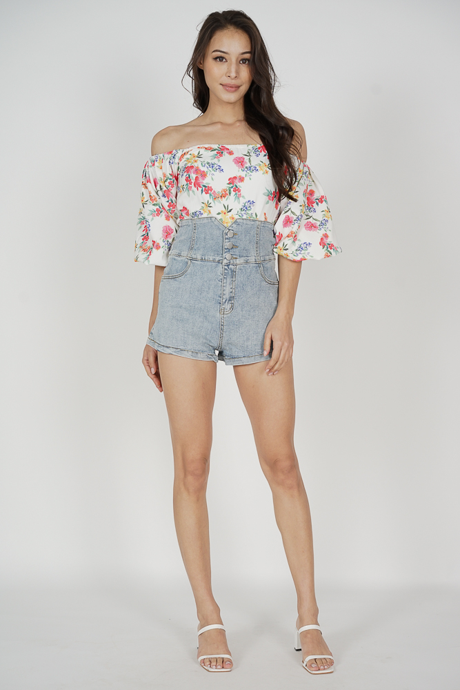 Raniya Puffy Top in White Floral