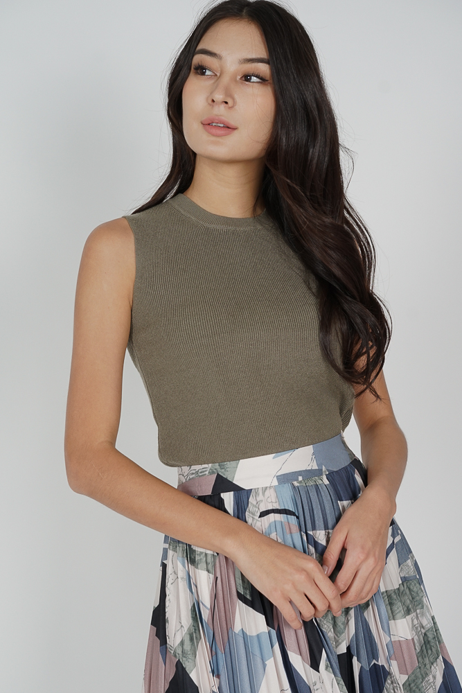 Aylor Top in Forest Green - Online Exclusive