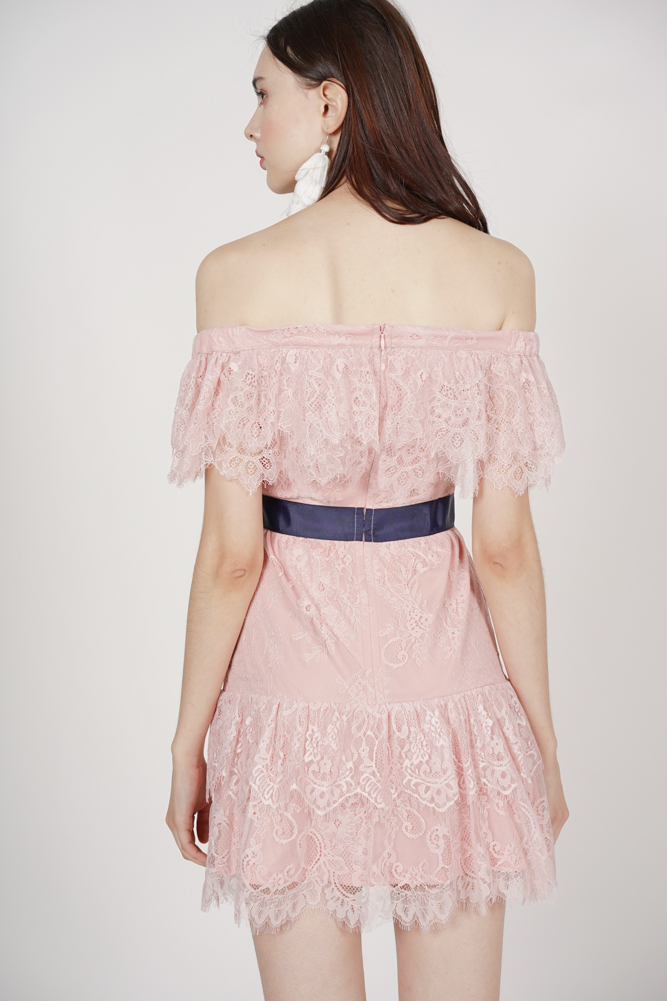 Frill Lace Dress in Mauve
