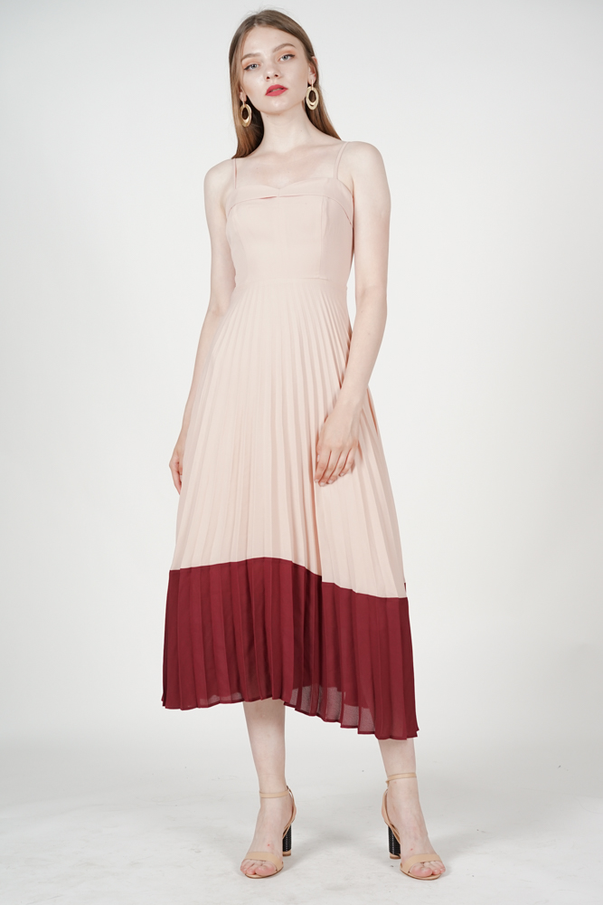 Janessa Pleated Dress in Pink