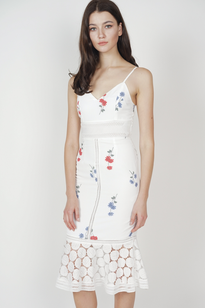 Bellari Lace Dress in White Floral - Arriving Soon