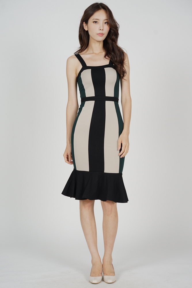 Dallas Contrast Dress in Forest Green