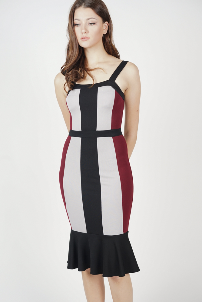 Dallas Contrast Dress in Oxblood