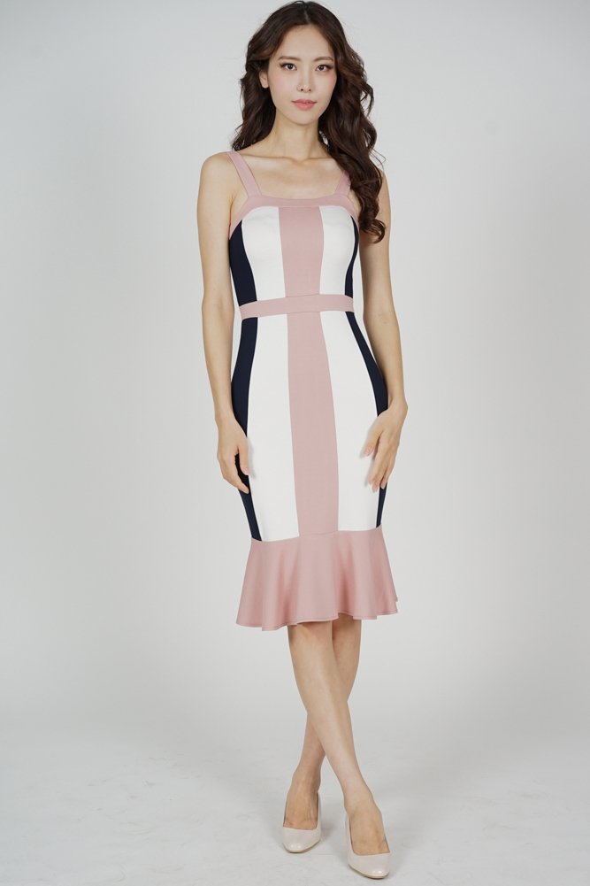 Dallas Contrast Dress in Pink