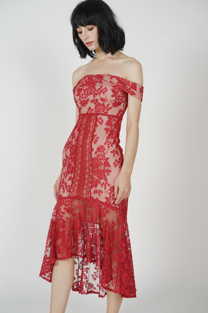 Amie Lace Dress in Red