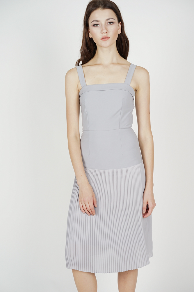 Coretta Pleated-Hem Dress in Grey