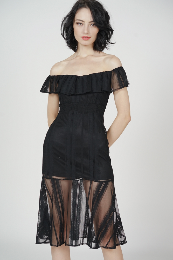 Helzia Lace Dress in Black