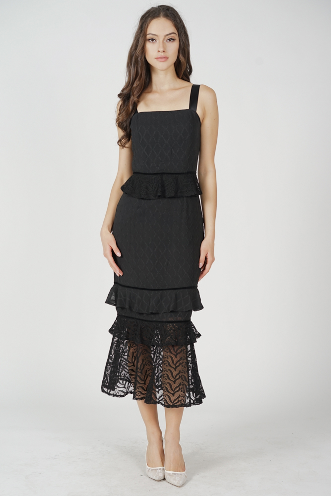 Mello Ruffled Dress in Black
