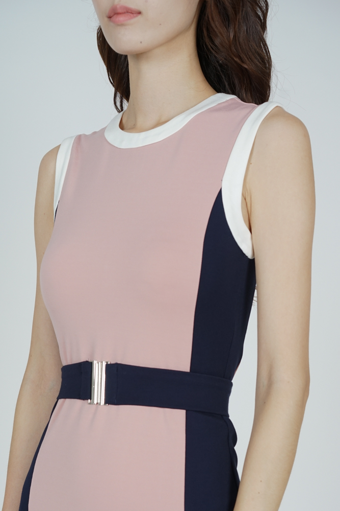 Shika Contrast Dress in Pink