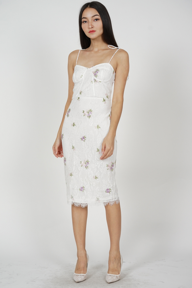 Erlea Lace Dress in White Floral