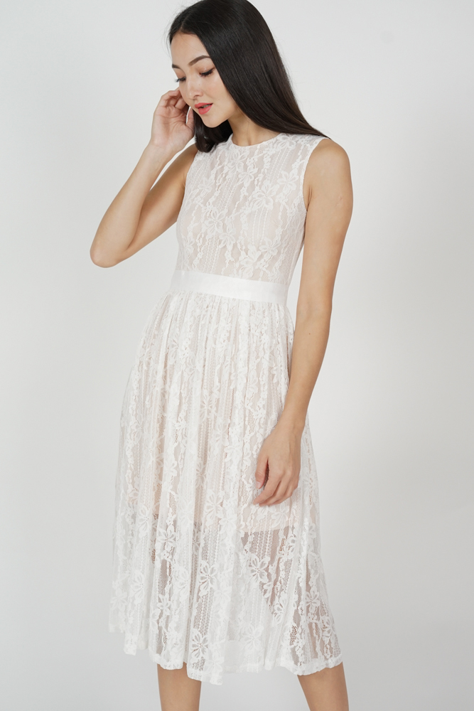 Pora Gathered Lace Dress in White