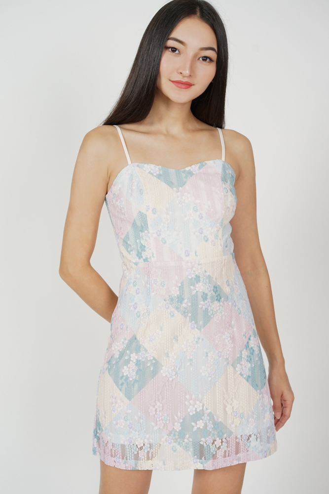 Willa Lace Dress in Multi Floral
