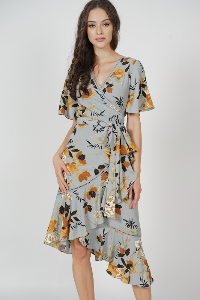 Reika Tie Wrapped Dress in Ash Blue Floral