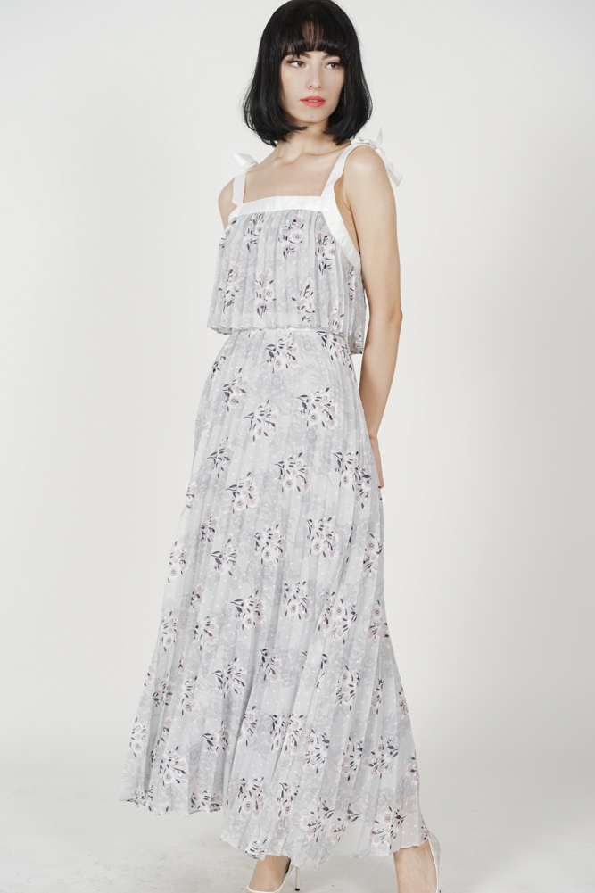 Widey Pleated Dress in Grey Floral
